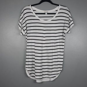 Gap white and black striped tee size small